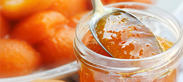 Looking for a delicious light jam recipe made with apricots?